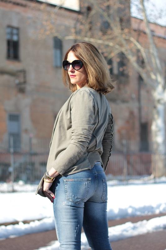 Fashion blogger, Fashion blog, Maggie Dallospedale fashion diary, fashion outfit, Fashion Blogger question, Army Chic Blazer, 2