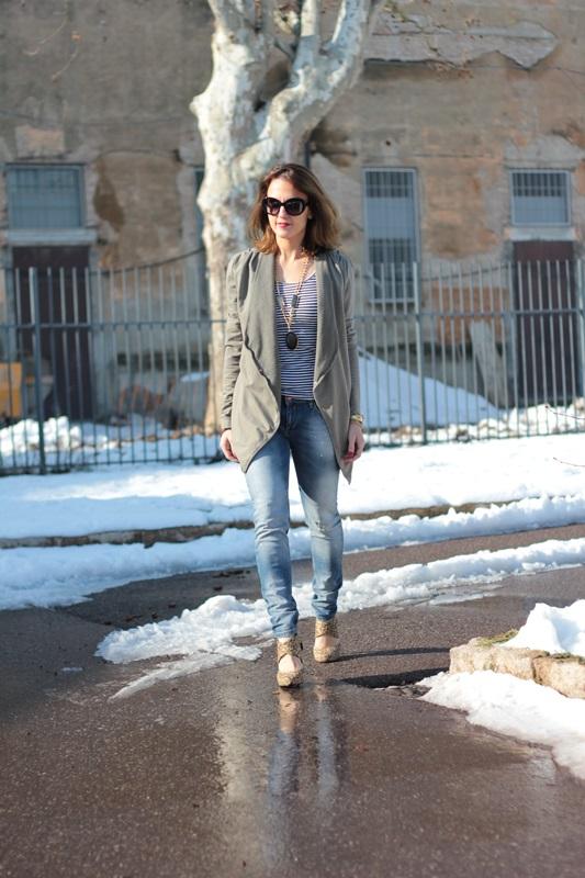 Fashion blogger, Fashion blog, Maggie Dallospedale fashion diary, fashion outfit, Fashion Blogger question, Army Chic Blazer, 5