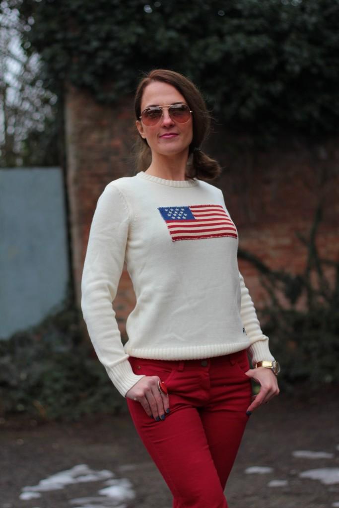 Fashion blogger, Fashion blog, Maggie Dallospedale fashion diary, fashion outfit, Fashion Blogger question, Red pants, Flag sweater, 2