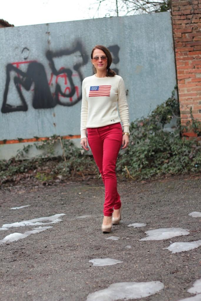 Fashion blogger, Fashion blog, Maggie Dallospedale fashion diary, fashion outfit, Fashion Blogger question, Red pants, Flag sweater, 3