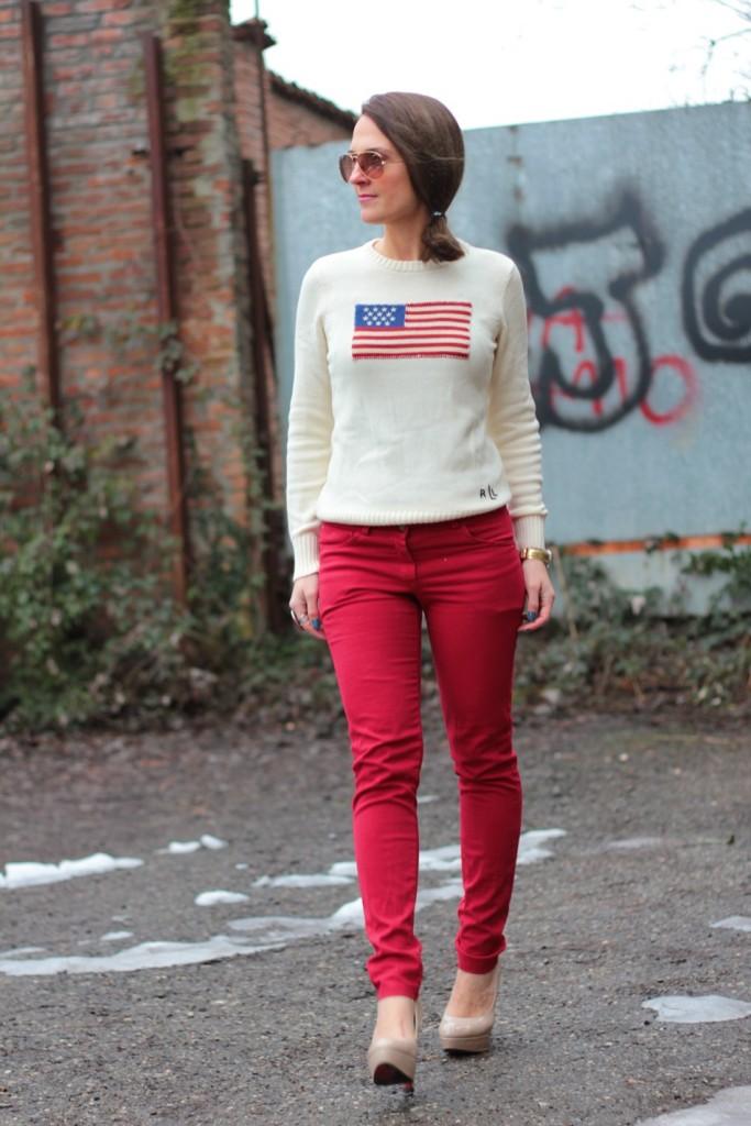 Fashion blogger, Fashion blog, Maggie Dallospedale fashion diary, fashion outfit, Fashion Blogger question, Red pants, Flag sweater, 4