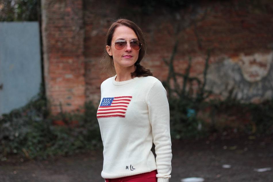 Fashion blogger, Fashion blog, Maggie Dallospedale fashion diary, fashion outfit, Fashion Blogger question, Red pants, Flag sweater, 6