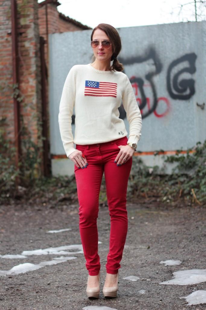 Fashion blogger, Fashion blog, Maggie Dallospedale fashion diary, fashion outfit, Fashion Blogger question, Red pants, Flag sweater, 7
