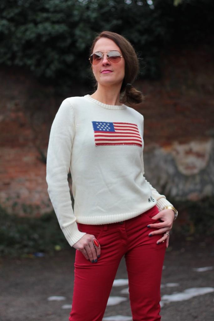 Fashion blogger, Fashion blog, Maggie Dallospedale fashion diary, fashion outfit, Fashion Blogger question, Red pants, Flag sweater, 9