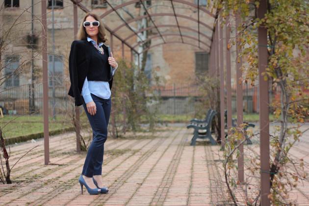 Fashion blogger, Fashion blog, Maggie Dallospedale fashion diary, fashion outfit, Gilet, sfumature di blu, 11
