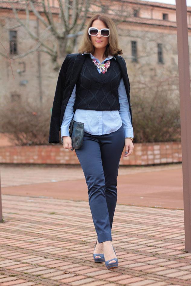 Fashion blogger, Fashion blog, Maggie Dallospedale fashion diary, fashion outfit, Gilet, sfumature di blu, 3
