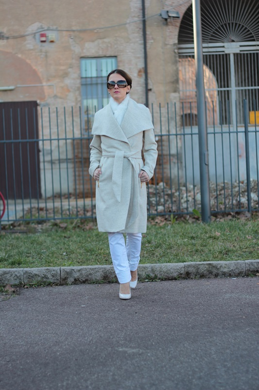 Fashion blogger, Fashion blog, Maggie Dallospedale fashion diary, fashion outfit, Total White Outfit, 3