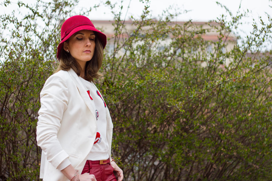 Fashion blogger, Fashion blog, Maggie Dallospedale fashion diary, fashion outfit, Red Leather, 3
