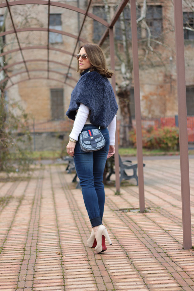 Fashion blogger, Fashion blog, Maggie Dallospedale fashion diary, fashion outfit, Blue Jeans, 2
