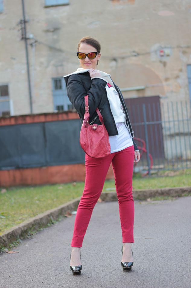 Fashion-blogger,-Fashion-blog,-Maggie-Dallospedale-fashion-diary,-fashion-outfit,Felpa, -sweatshirt,-Red-pants,-1