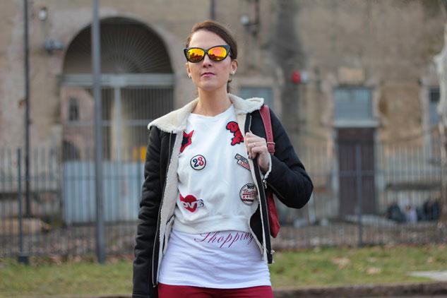Fashion-blogger,-Fashion-blog,-Maggie-Dallospedale-fashion-diary,-fashion-outfit,-sweatshirt,-Red-pants,-10