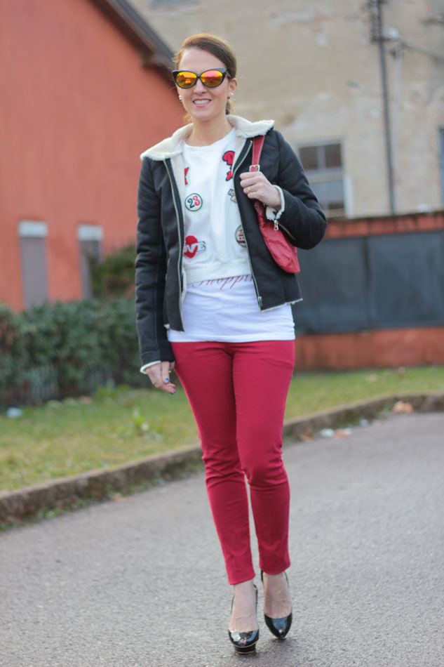 Fashion-blogger,-Fashion-blog,-Maggie-Dallospedale-fashion-diary,-fashion-outfit,-sweatshirt,-Red-pants,-3