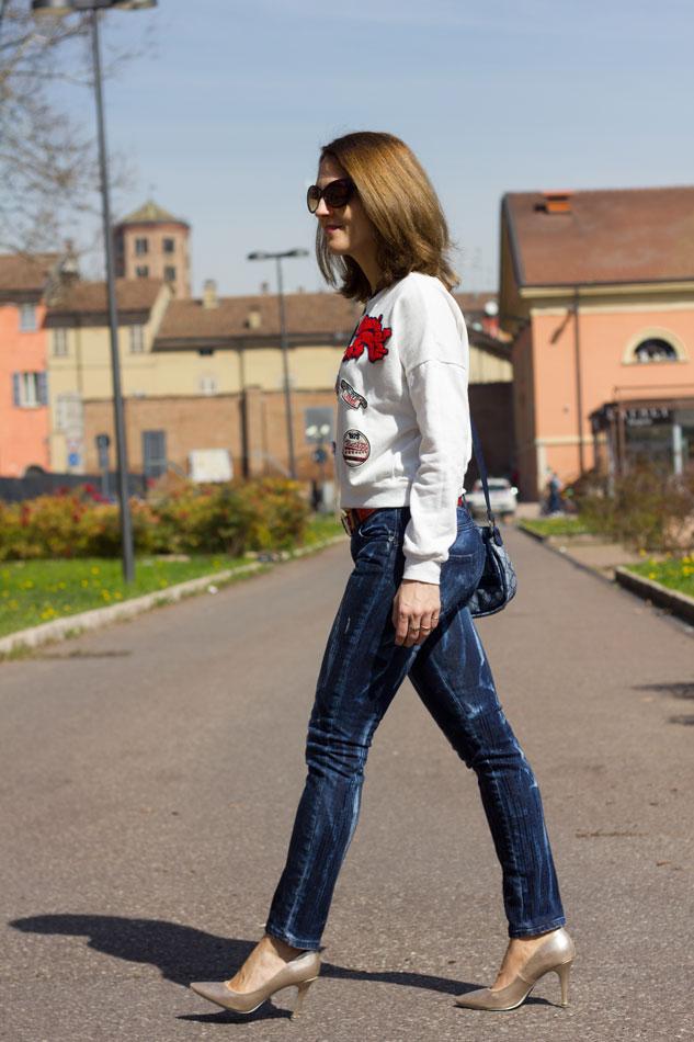 Sweatshirt Jeans Heels 11