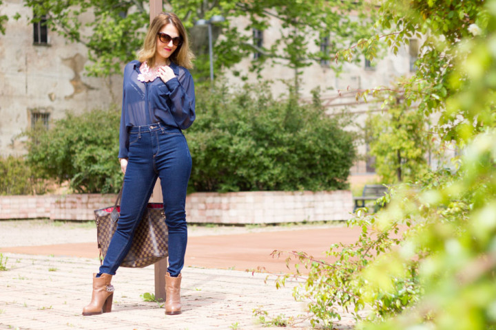 High waisted jeans with Les Naturelles new colletion