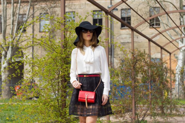 Mini Bags and Black & White Outfit (Spring Season)