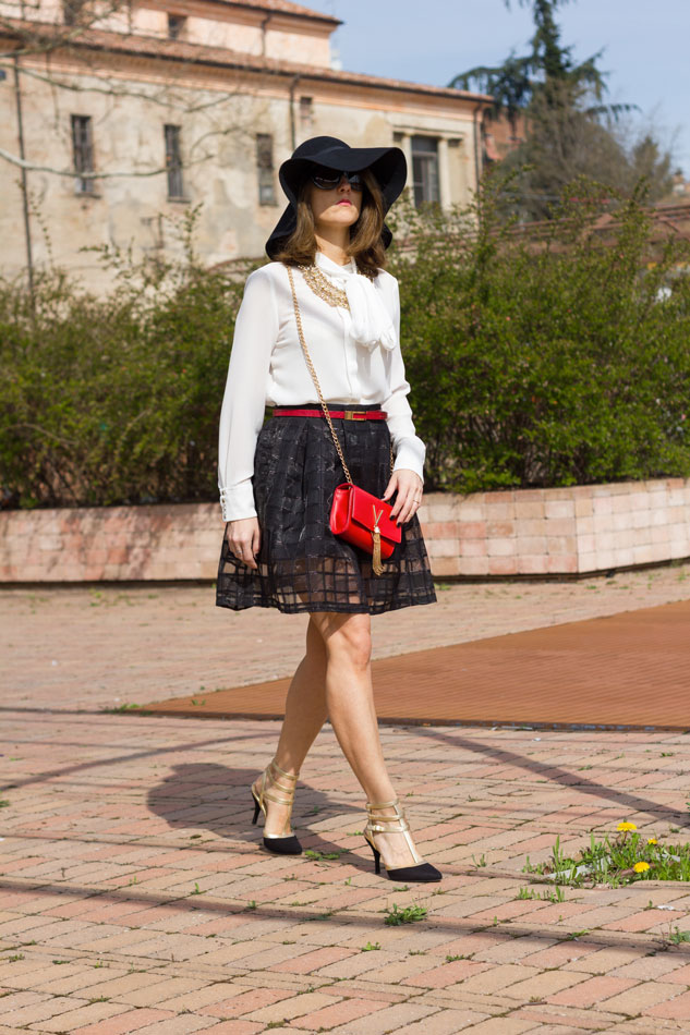 Mini Bags and Black & White Outfit (Spring Season)