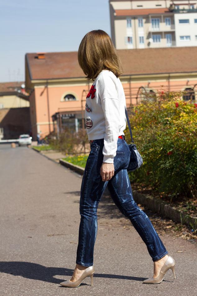 Sweatshirt Jeans Heels 10