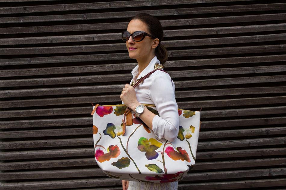 Flower tote bag is my new summer essential