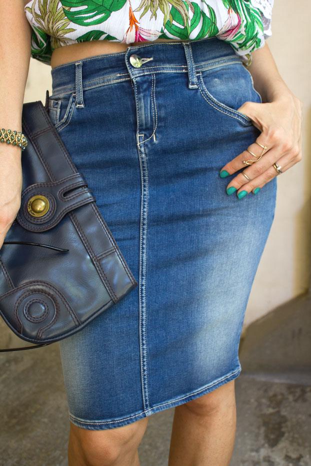 Denim-skirt-hottest-trend