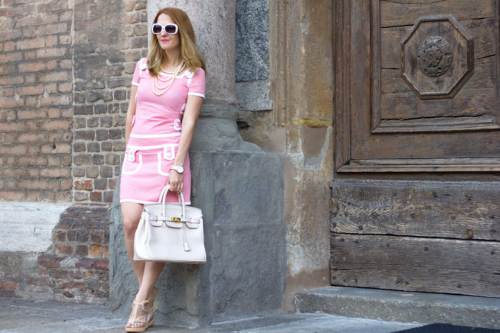 Pink mini dress moschino, fashion blog