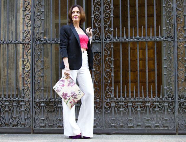 Clutch o pochette by Cabuxa per uno spring outfit con crop top