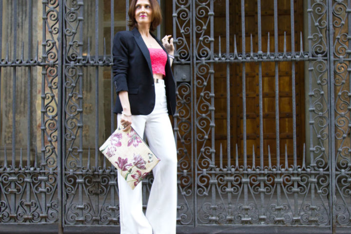 Clutch o pochette by Cabuxa per uno spring outfit con crop top