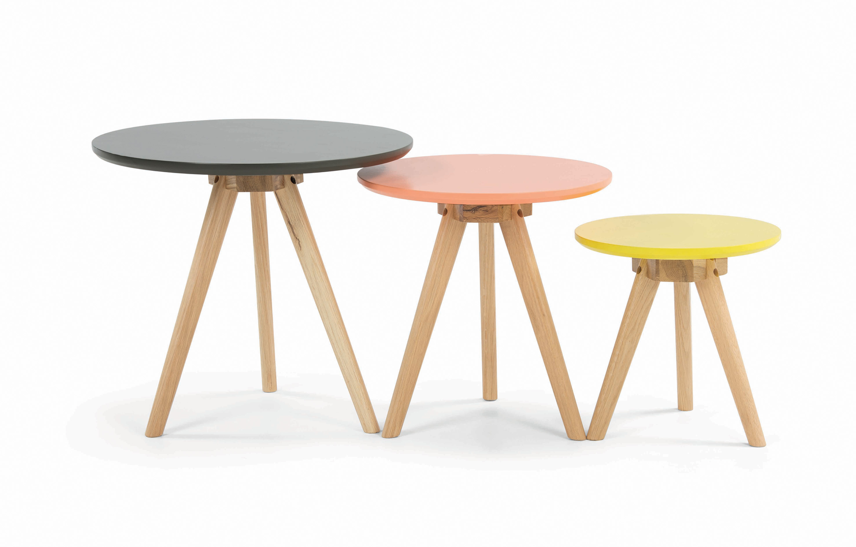 MADE.COM - design special sale Orion Nest of Tables - minimale HR