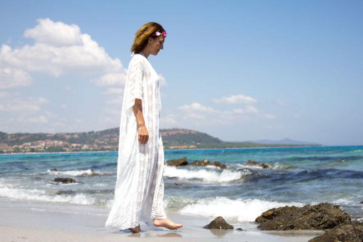 Beach Kaftan by DevilPlus per un pomeriggio trascorso tra pensieri