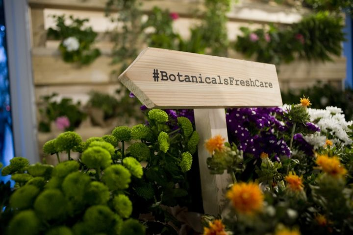 Botanicals Fresh Care sa che la bellezza sia un percorso fatto di gesti che ogni giorno decidiamo di fare.