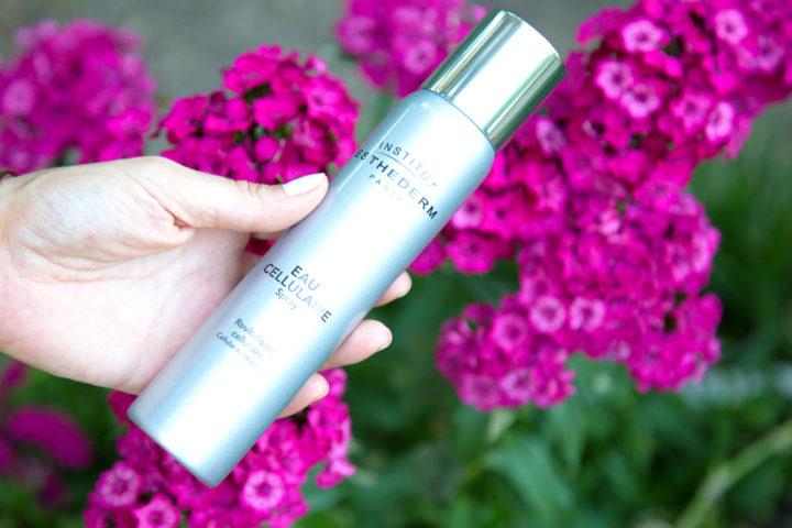 Rivitalizzare la pelle con Eau cellulaire spray di Esthederm