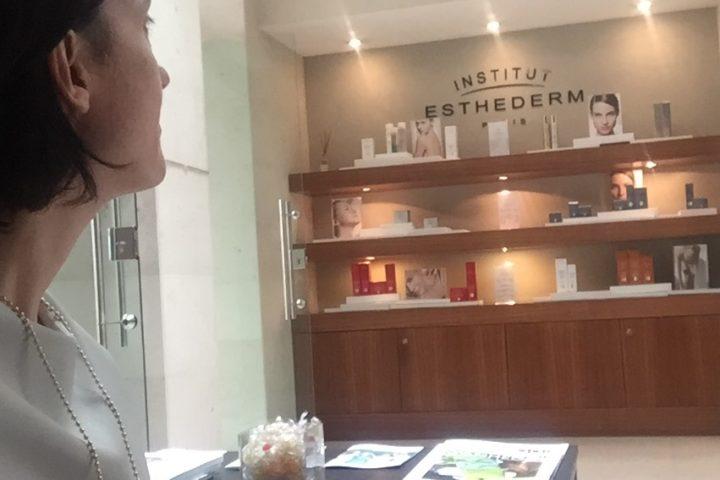 Trattamento preparazione pelle all'esposizione solare di Esthederm