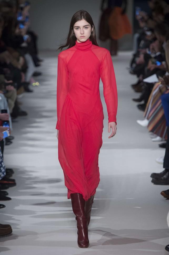Stivali rossi: la tendenza più hot della prossima stagione