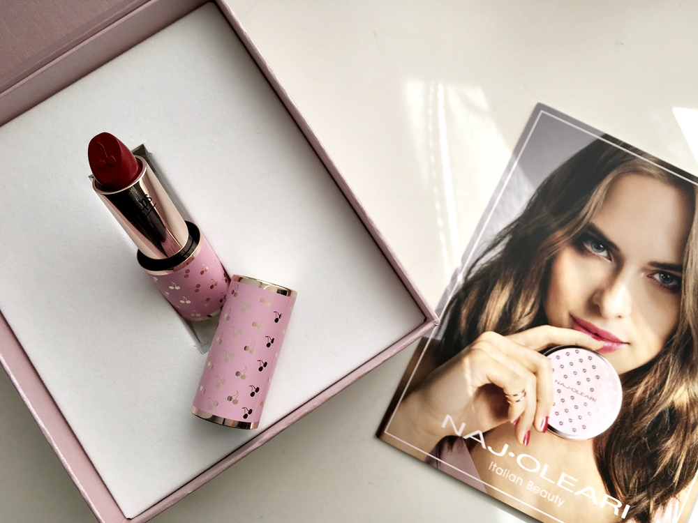 Naj Oleari ritorna con una linea di make-up eccezionale
