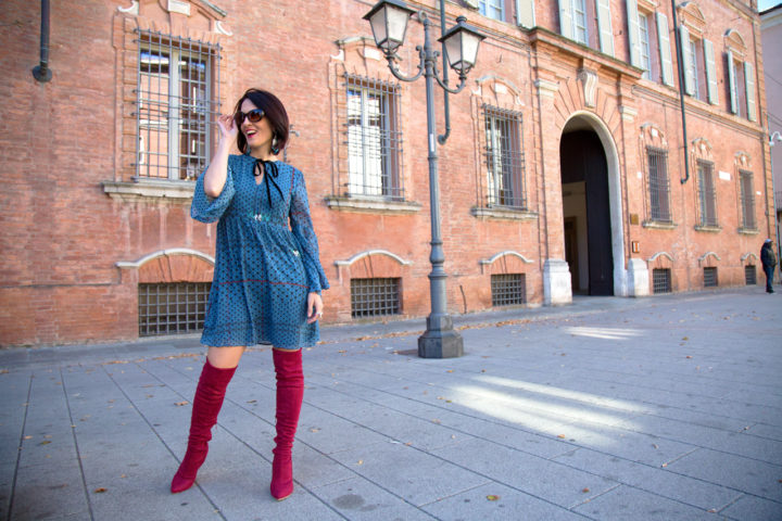 Red knee high boots: come indossarli!