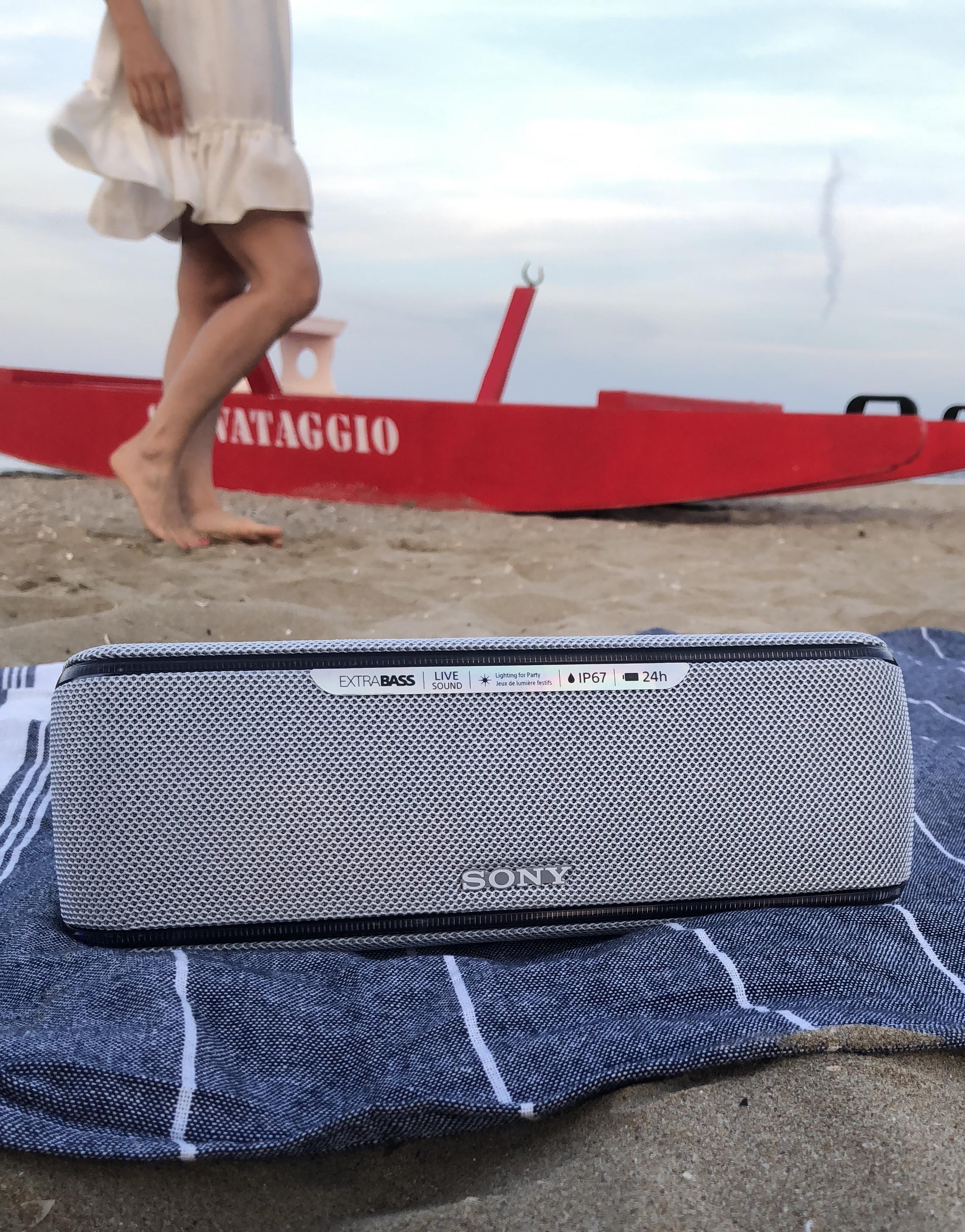 Sony Extra Bass SRS-XB41: lo speaker portatile per ballare in spiaggia e sotto le stelle!