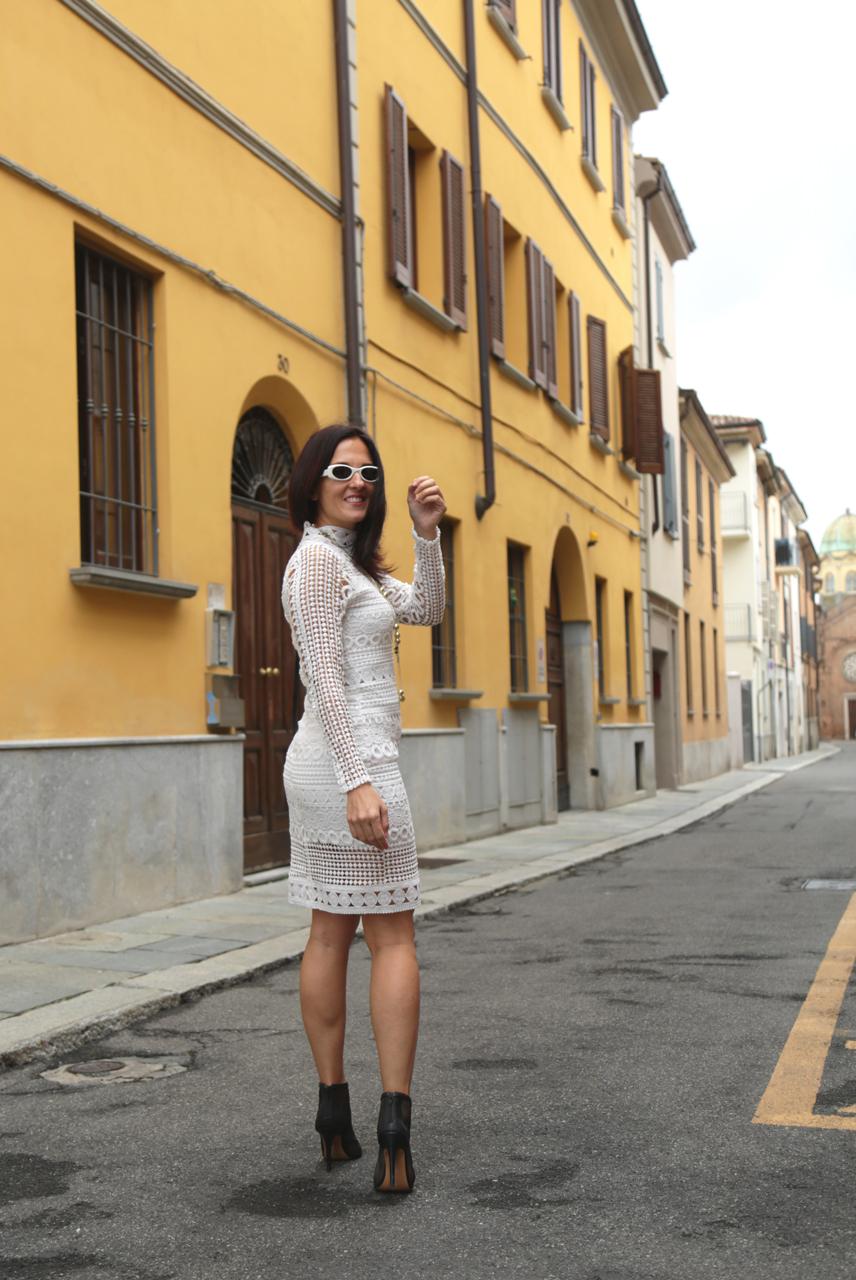vestito in pizzo bianco