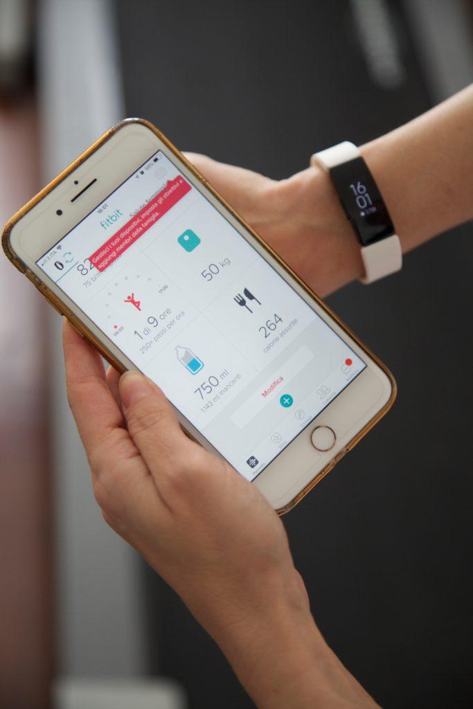 Fitbit: come conoscere e mantenere fit il nostro corpo divertendoci!