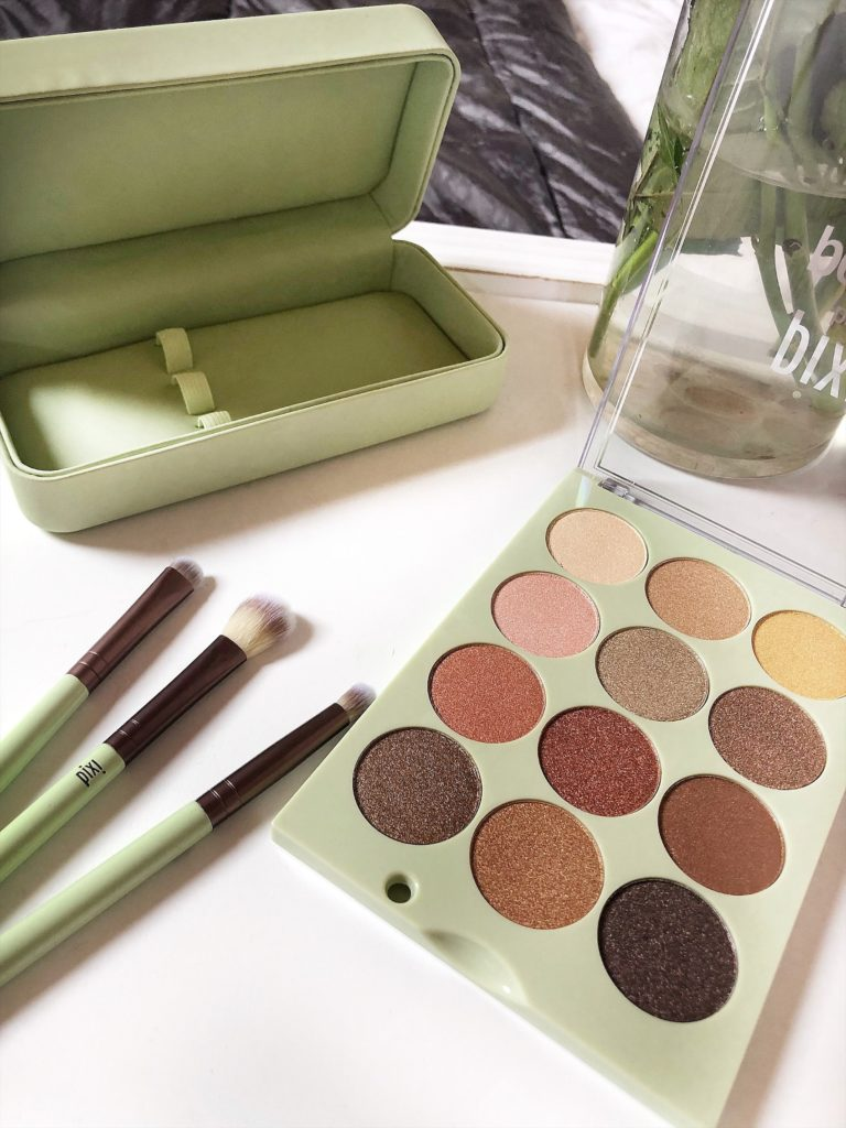 Eye Reflections Shadow Palette of Pixi Beauty by Petra