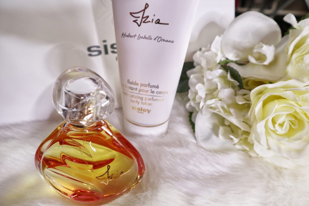 Izia body lotion di Sisley Paris: pelle nutrita e  morbida in pochi istanti