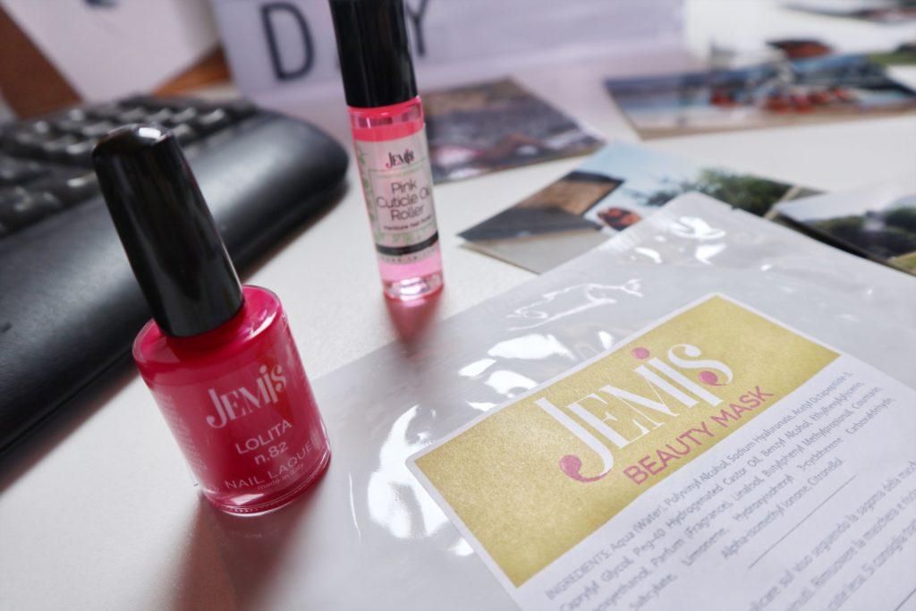 Jemis Nails: Unghie trendy grazie a 200 nuance che troverete dall'estetista