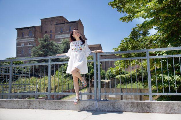 Outfit glamour per l'estate: capi che non possono mancare nel guardaroba