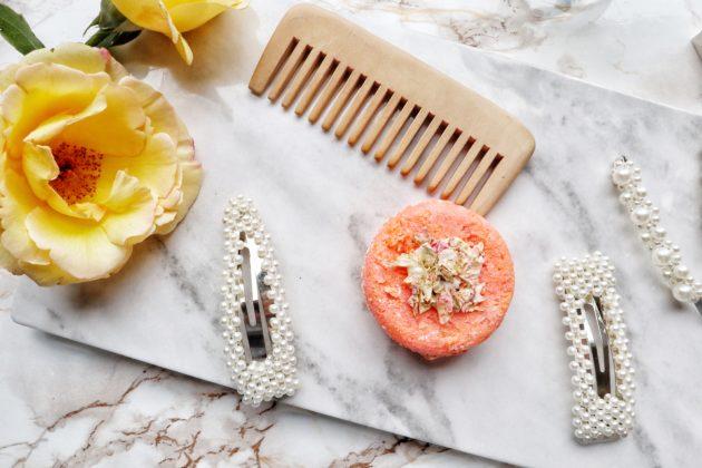 Shampoo solido mango exuberance di Lush, esclusiva del naked shop