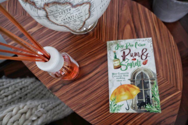 Rum & Segreti di Jane Rose Caruso: tornano le avventure di Miss Book
