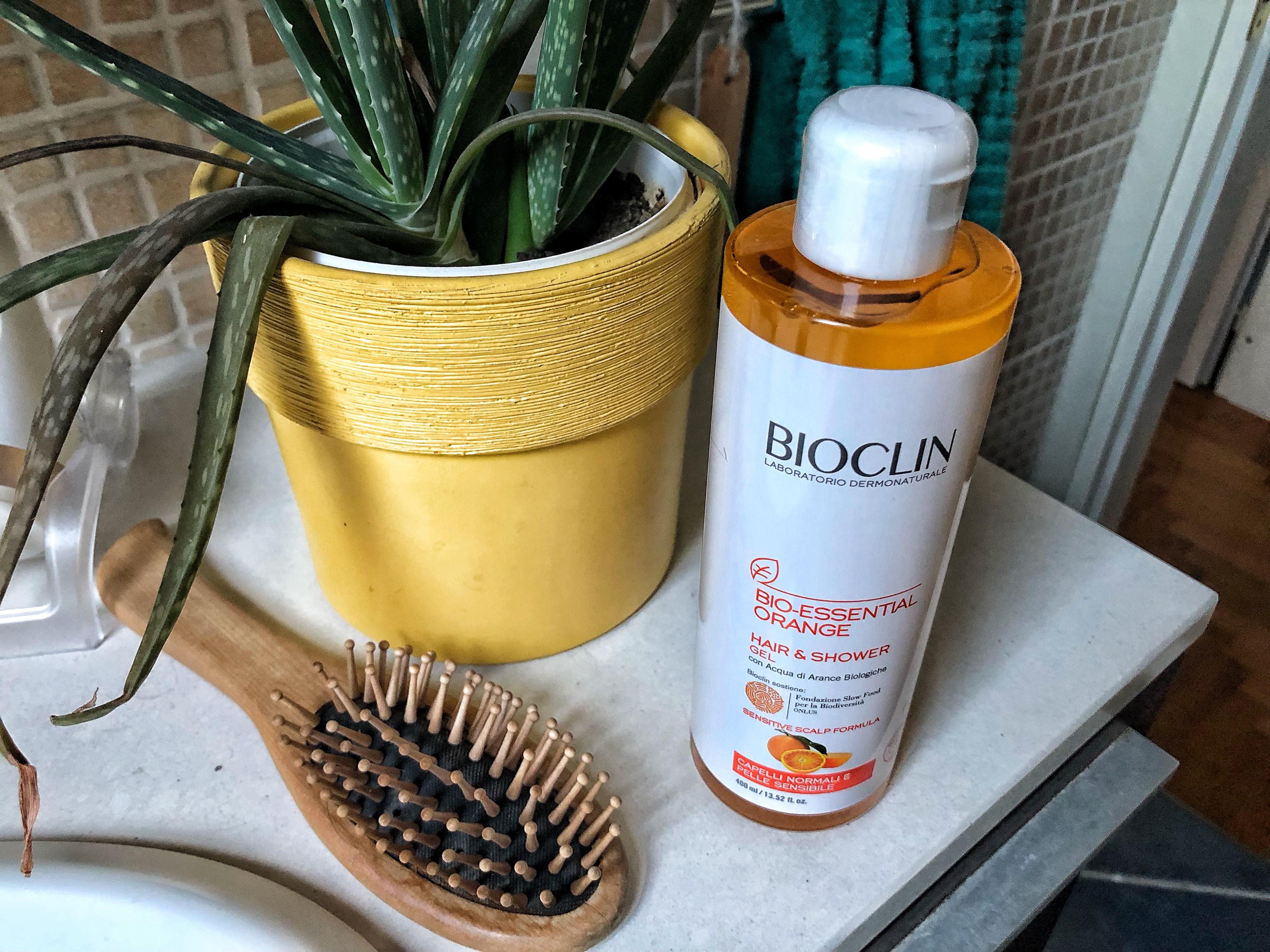 Bio Essential Orange: hair & Shower Gel con acqua di arance biologiche