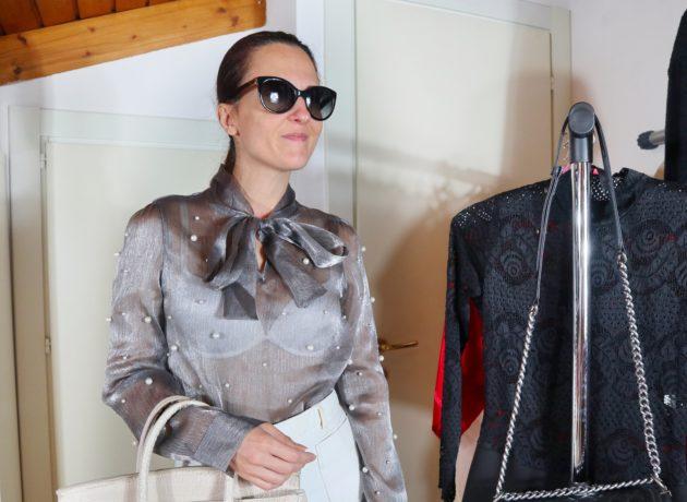 Margaret Dallospedale Sheer trend: come abbinare una camicia trasparente con perle e fiocco, Margaret Dallospedale