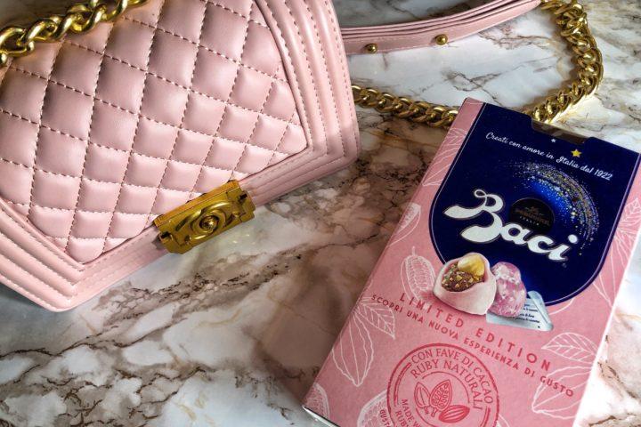 Bacio Perugina Rosa: il pink mood è di moda anche con il noto cioccolatino