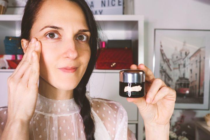 Come applicare la crema contorno occhi in modo corretto, Margaret Dallospedale
