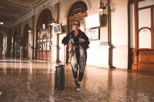 Come vestirsi per viaggiare in treno (outfit sporty chic invernale), Margaret Dallospedale