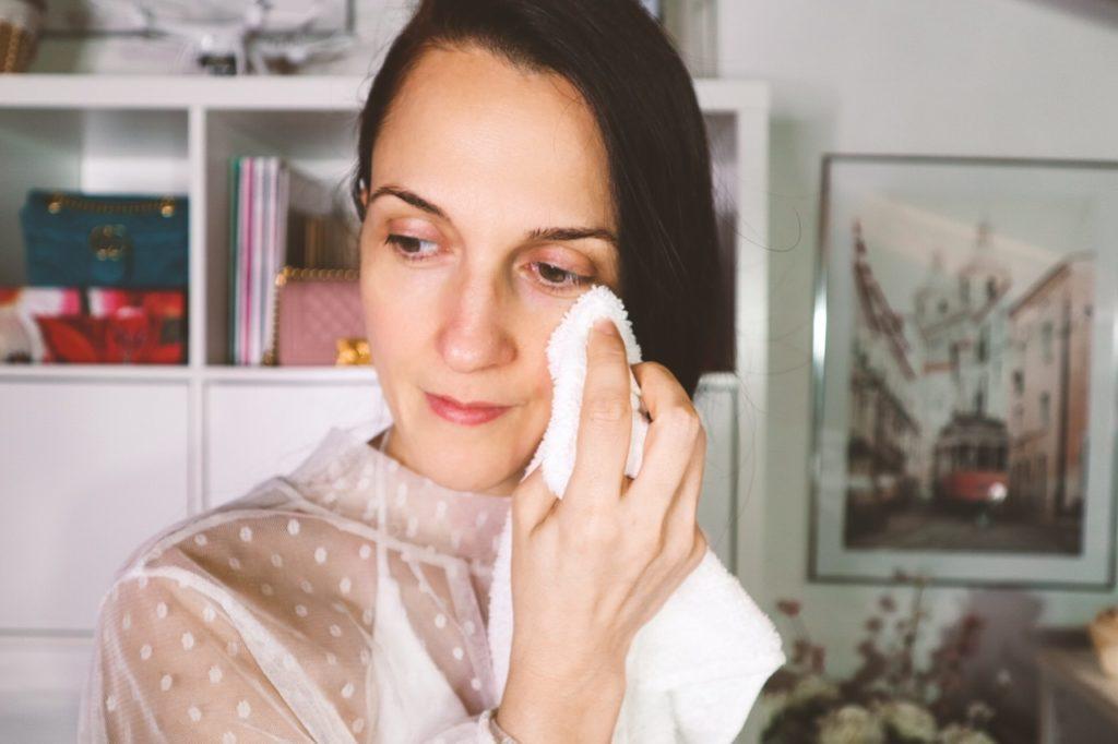 Margaret Dallospedale, Come applicare la crema contorno occhi in modo corretto