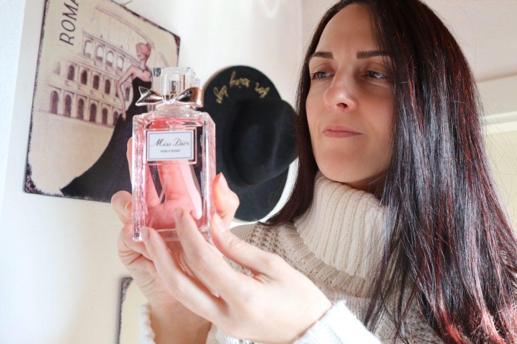 Come applicare il profumo: metterlo nei punti strategici affinché duri di più